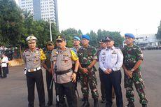 Operasi Keselamatan, Polisi Akan Razia Pengendara yang Main HP hingga Tak Pakai Helm SNI