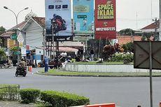 Aksi #JogjaMemanggil di Bundaran UGM, Mahasiswa Diminta Tak Ganggu Pengguna Jalan