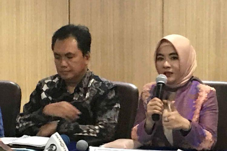 Kepala BPH Migas, Fanshurullah Asa bersama Plt Dirut Pertamina Nicke Widyawati di kantor BPH Migas, Rabu (16/5/2018).