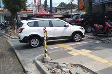 Ingat, Parkir di Trotoar Kena Denda Rp 250.000