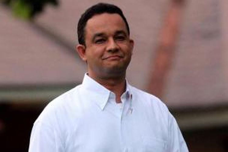 Menteri Kebudayaan dan Pendidikan Dasar dan Menengah Anies Baswedan diperkenalkan oleh Presiden Joko Widodo di Istana Merdeka, Jakarta, Minggu (26/10/2014). TRIBUN NEWS / DANY PERMANA