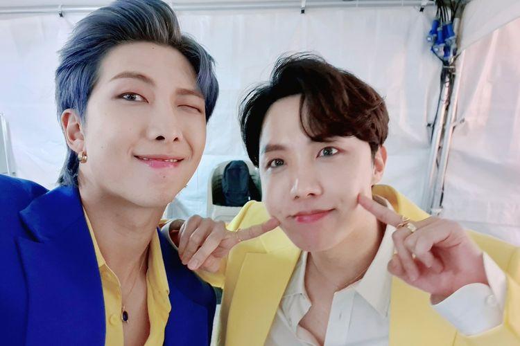RM dan J-Hope BTS dianggap semakin lancar berbicara Bahasa Indonesia oleh ARMY, hal ini terbukti dari video terbaru para member untuk melakukan promosi acara Tokopedia WIB.
