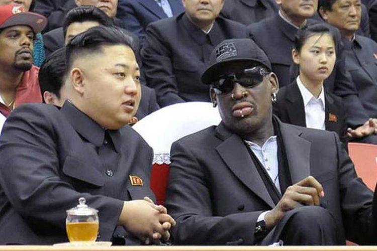 Dennis Rodman bersama dengan Pemimpin Korea Utara Kim Jong-Un.