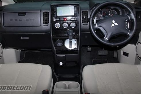 Sering Bersihkan Kabin Mobil Bisa Cegah Penyebaran Covid-19