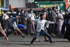 Demo Myanmar Ricuh, Pendukung Militer Serang Pedemo dengan Pisau