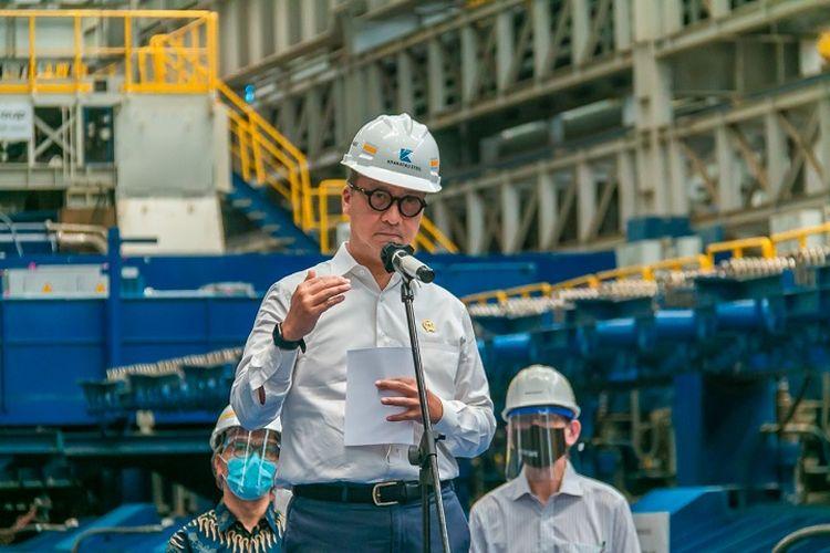 Menteri Perindustrian Agus Gumiwang Kartasasmita mengunjungi PT Krakatau Steel di Cilegon, Banten, Kamis (25/3/2021).