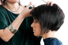 Pilihan Gaya Rambut Pendek Sesuai Bentuk Wajah