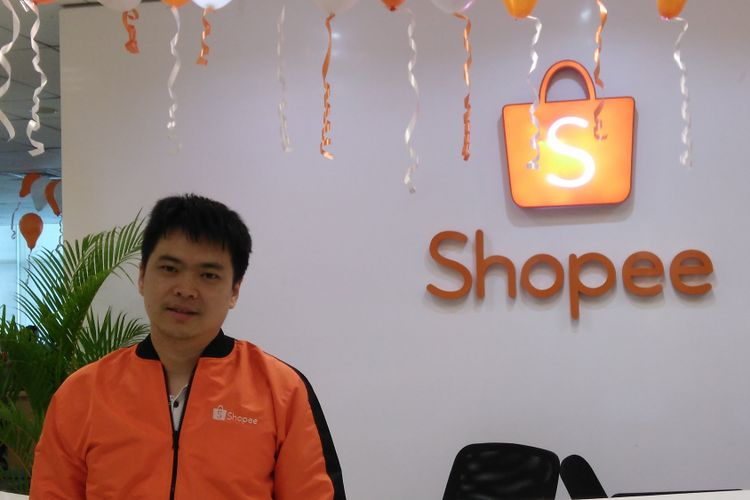 Chief Executive Officer (CEO) Shopee Chris Feng saat berbincang dengan Kompas.com di Kantor Shopee, Wisma 77, Jakarta,Rabu (27/9/2017).