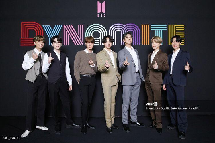 BTS menggelar konferensi pers di Seoul, Rabu (2/9/2020), setelah lagunya, Dynamite, menempati puncak Billboard Hot 100.