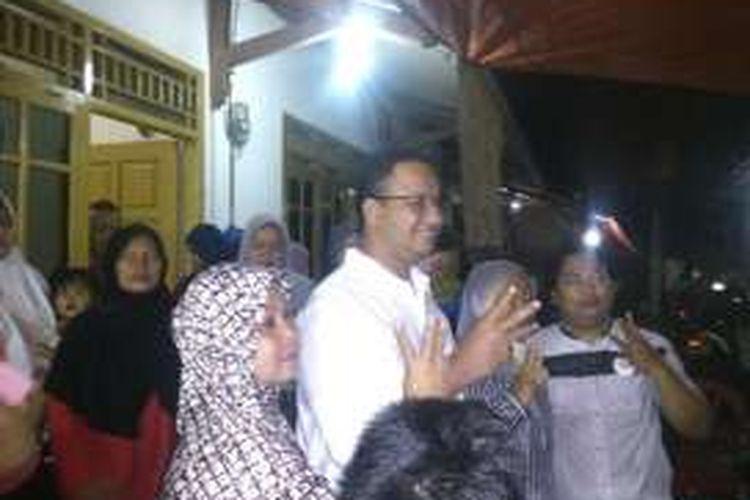 Bakal calon gubernur DKI Jakarta Anies Baswedan di Ciracas, Jakarta Timur, Sabtu (29/10/2016)