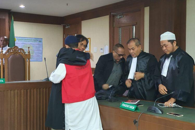 Sidang vonis terdakwa pengancam penggal kepala Presiden Joko Widodo, Hermawan Susanto di Pengadilan Negeri Jakarta Pusat, Kamis (12/3/2020). (KOMPAS.COM/ RINDI NURIS VELAROSDELA) Editor : Jessi Carina