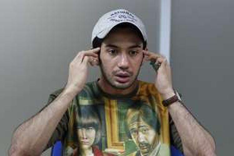Reza Rahadian saat diwawancara di kantor redaksi Kompas.com untuk promosi film terbarunya yang berjudul My Stupid Boss, di Palmerah, Jakarta Pusat, Jumat (20/5/2016). Film karya sutradara Upi tersebut telah diputar di bioskop pada 19 Mei, serentak di empat negara yakni Indonesia, Malaysia, Singapura, dan Brunei.