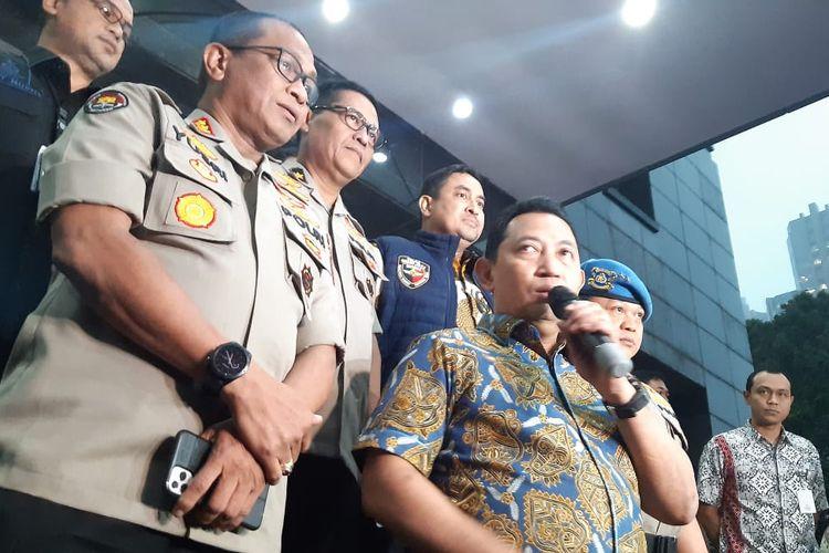 Kepala Bareskrim Polri, Komjen Listyo Sigit Prabowo saat mengumumkan pelaku penyerangan terhadap penyidik KPK Novel Baswdan di Polda Metro Jaya, Jumat (27/12/2019).