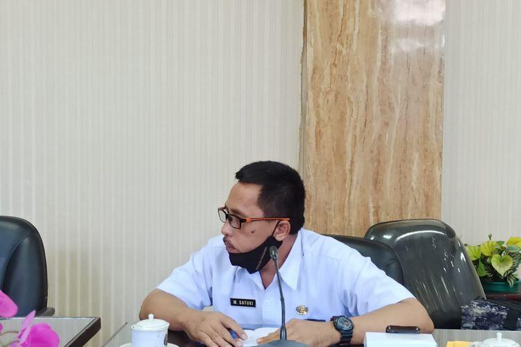 Sekretaris Satgas Covid-19 Jember M Satuki saat hearing di DPRD Jember