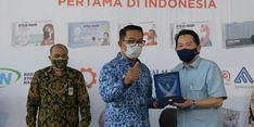 Serahkan Sertifikasi SNI ke Masker Ateja, Emil Akui Sedang Buat Kain Antivirus
