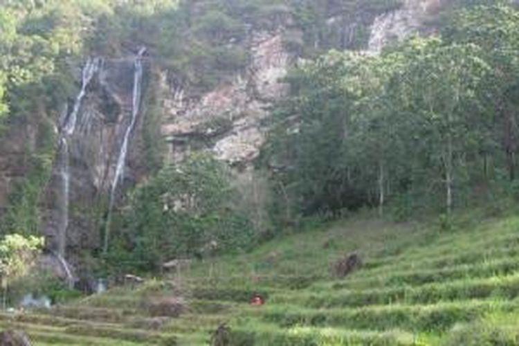 Air Terjun Cunca Rami di Kecamatan Sano Nggoang, Kabupaten Manggarai Barat, Nusa Tenggara Timur.