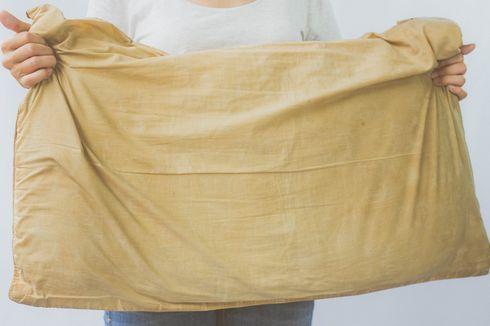 5 Langkah Bersihkan Noda Kuning pada Bantal