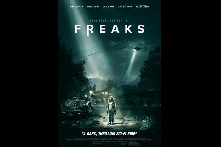 Lexy Kolker dalam film fiksi ilmiah Freaks (2018).