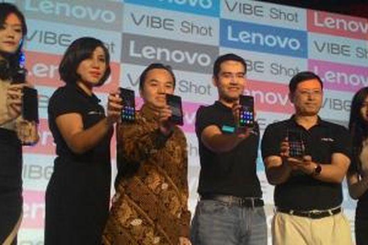 Lenovo Indonesia meluncurkan ponsel Android Vibe Shot di Jakarta, Rabu (26/8/2015).