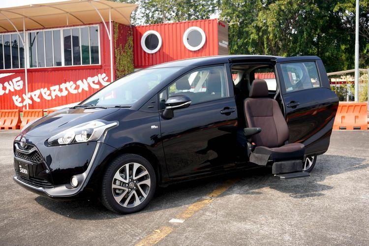 Toyota Sienta model terbaru dipasarkan untuk pasar Inggris.