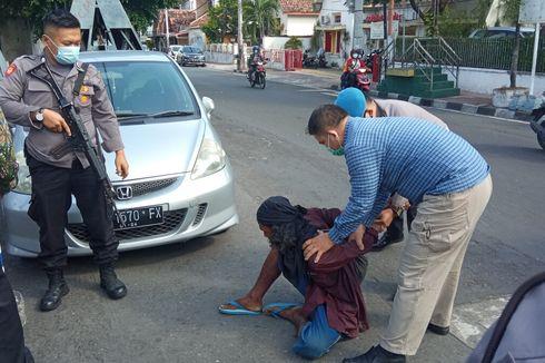 Kronologi Seorang Pria Mengamuk dengan Membawa Golok di Kantor Polisi, Diduga Alami Gangguan Jiwa