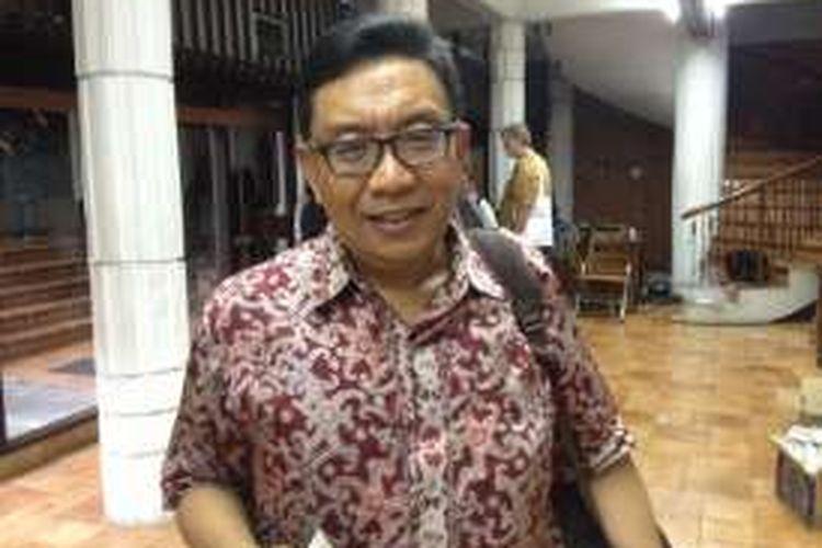 Peneliti sejarah Lembaga Ilmu Pengetahuan Indonesia (LIPI), Asvi Warman Adam, saat menghadiri sebuah diskusi mengenai Supersemar di Bentara Budaya Jakarta, Kamis (10/3/2016).