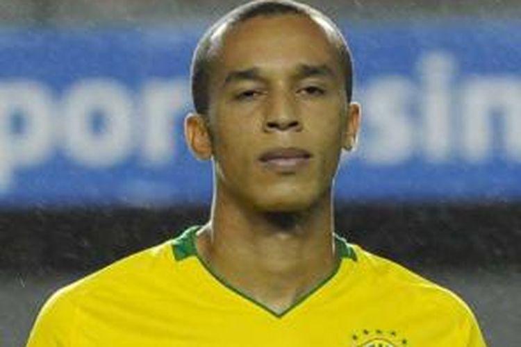 Bek tim nasional Brasil, Miranda.