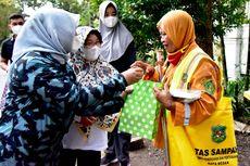 Kisah Ngatyem, Penyapu Jalan yang Kaget Pagi-pagi Diberi Bingkisan oleh Gubernur Sumut