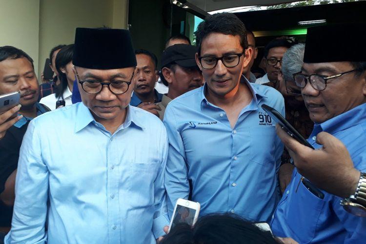 Cawapres Sandiaga Uno bersama Zulkifli Hasan di Kantor Muhammadiyah Jatim, Kamis (27/9/2018).