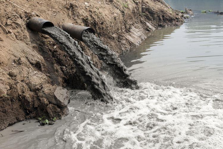 Ilustrasi limbah pabrik yang berbahaya bagi lingkungan dan kesehatan manusia