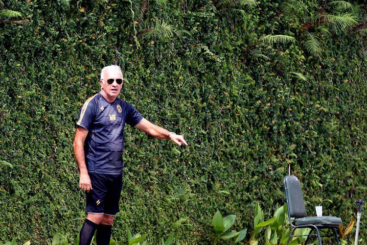 Pelatih Arema FC asal Argentina untuk musim 2020, Mario Gomez.
