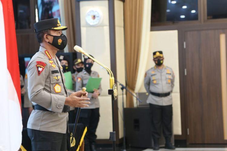Kapolri Jenderal (Pol) Idham Azis saat memimpin upacara kenaikan pangkat di Mabes Polri, Jakarta Selatan, Jumat (4/12/2020).