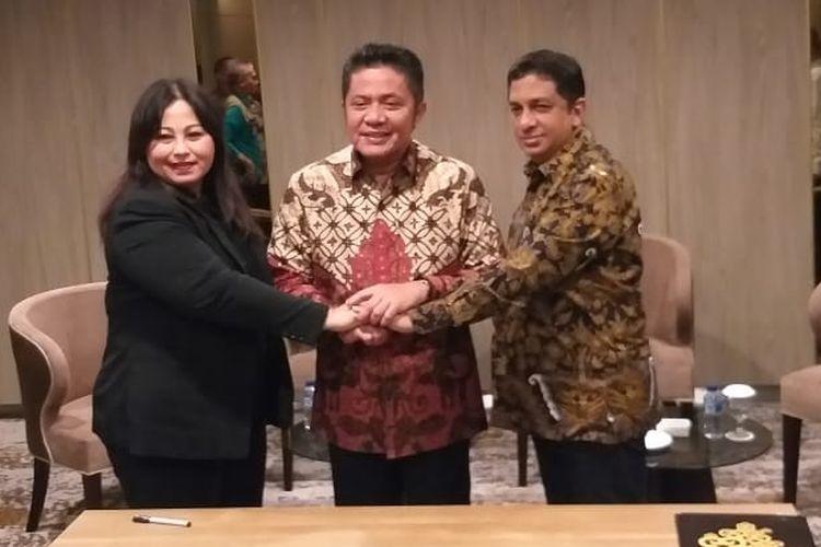 Gubernur Sumsel Herman Deru bersama Dirut PT Jakabaring Sport City serta perwakilan dari PT Anajico usai melakukan Mou untuk pembangunan wahana baru di komples Jakabaring, Senin (29/4/2019).