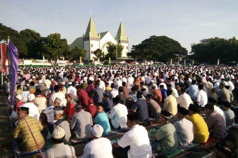 Cerita Idul Fitri dari Sikka, Kala Umat Shalat Id di Depan Gereja