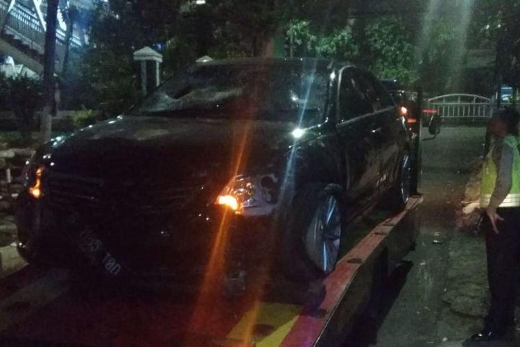 Mobil Tabrak sejumlah pengendara motor di Jalan Tendean , Jakarta Selatan. Kamis (18/4/2019)