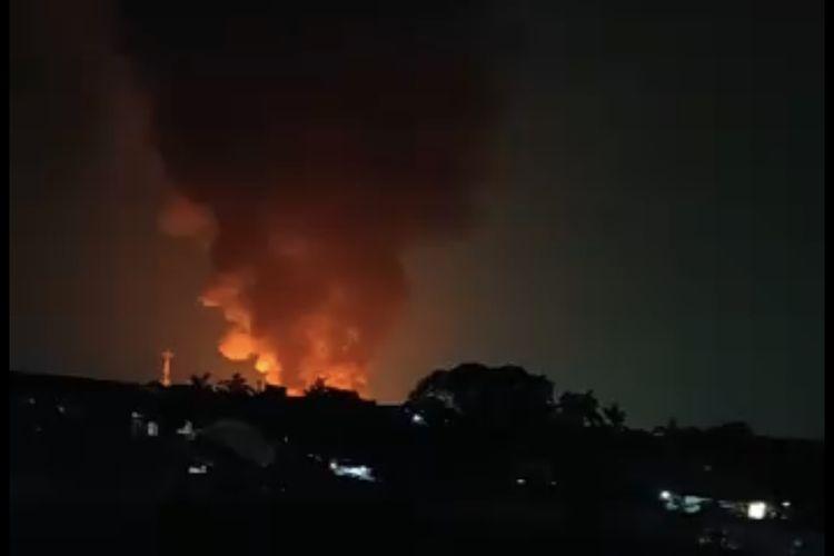 Kebakaran terjadi di Jalan Kapuk Muara Raya Gang Elok RT 011-012 RW 04 Penjaringan, Jakarta Utara pada Sabtu (8/5/2021) malam.