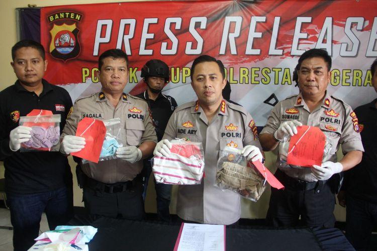 Rilis penangkapan kasus pelatihan futsal setubuhi siswi 14 tahun di Tangerang, Rabu (29/1/2020)