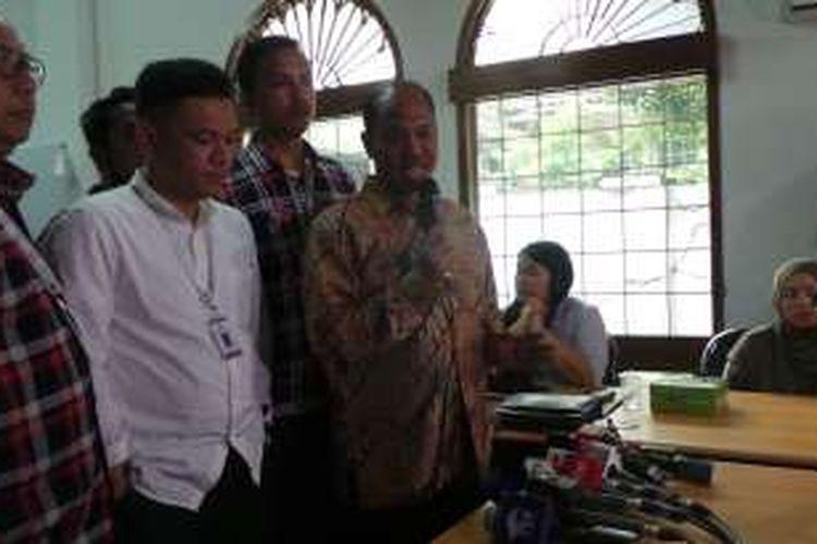 Ketua Tim Kuasa Hukum Ahok yang juga anggota bidang hukum tim pemenangan Ahok-Djarot, Sirra Prayuna, saat diwawancara di Rumah Lembang, Menteng, Jakarta Pusat, Rabu (16/11/2016).