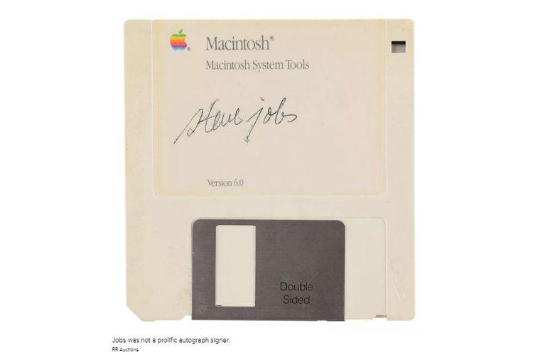Disket Steve Job Rp1 Miliar