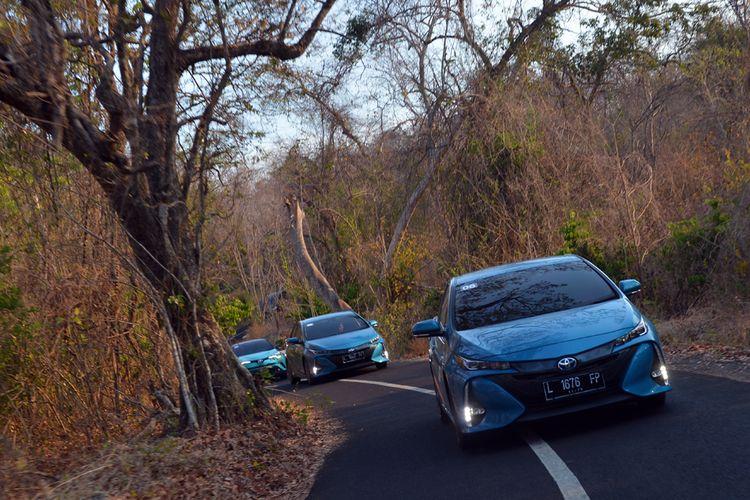 Penghitungan konsumsi BBM total 8 mobil hybrid dan PHEV dilakukan di Pulau Bali, hasilnya cukup mengejutkan.