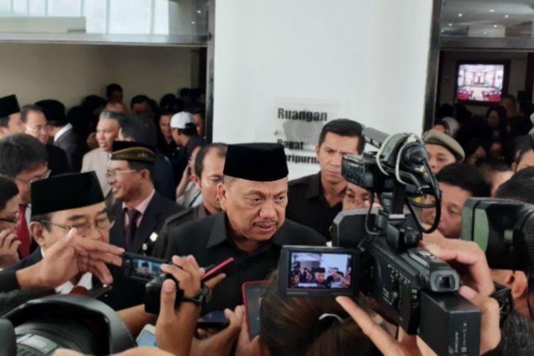 Gubernur Sulut Olly Dondokambey didampingi Anggota VI BPK RI Harry Azhar Aziz saat diwawancara seusai rapat paripurna di Kantor DPRD Sulut, Senin (27/5/2019) pukul 10.24 Wita.