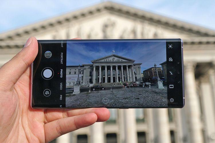 Ilustrasi memotret dengan Huawei Mate 30 Pro