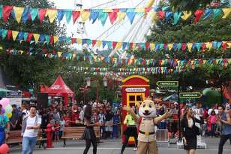 Drama musikal yang disajikan selama 10 menit ini hadir di depan Food Court Jungleland yang dapat di saksikan langsung oleh para pengunjung dalam jarak dekat.