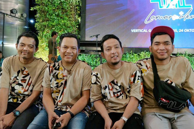 Apoy, Faank, Ovie dan Tomi yang tergabung dalam grup band Wali dalam jumpa pers di kawasan Gatot Subroto, Jakarta Selatan, Kamis (24/10/2019).