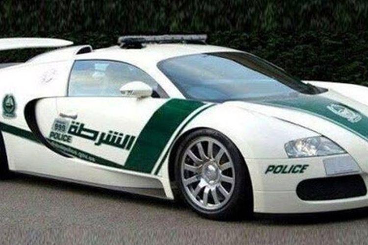 Mobil patroli Kepolisian Dubai ini palsu, cuma rekayasa Photoshop.
