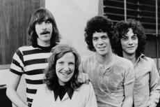 Lirik dan Chord Lagu Pale Blue Eyes - The Velvet Underground