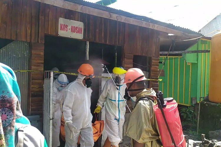 Seorang pria tua, Saimin (56), ditemukan tewas di dalam kamar kosnya, di Kelurahan Kaobula, Kecamatan Batupoaro, Kota Baubau, Sulawesi Tenggara, Jumat (7/8/2020) siang.