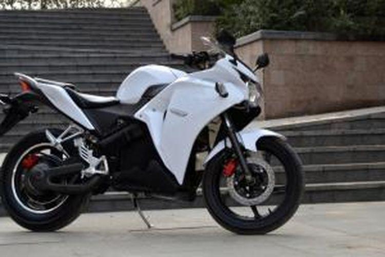 EFM M?, sepeda motor elektrik dari China dengan tampang Honda CBR150R.