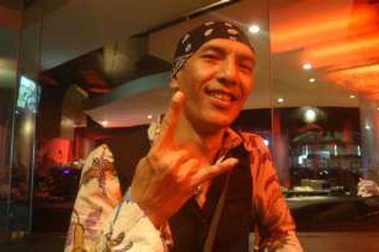 Yuke Sampurna diabadikan dalam sebuah acara amal di Rolling Stone Cafe, Ampera Raya, Jakarta Selatan, Senin (26/9/2016).