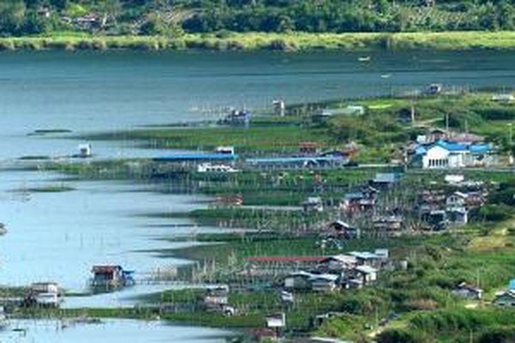 Lanskap di salah satu sisi Danau Lut Tawar, Takengon, Aceh.
